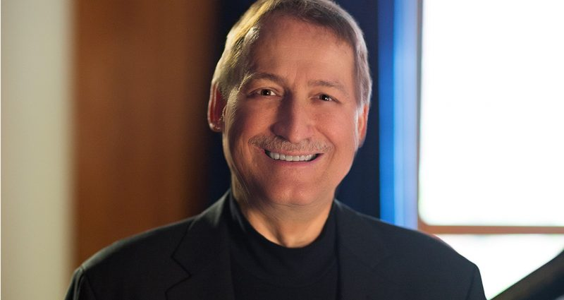 Pianist Douglas Humpherys