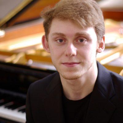Piano Fellow Anthony Ratinov
